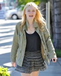 Dakota Fanning / Michael Sheen - Imagenes/Videos de Paparazzi / Estudio/ Eventos etc. - Página 2 0b4040105442665